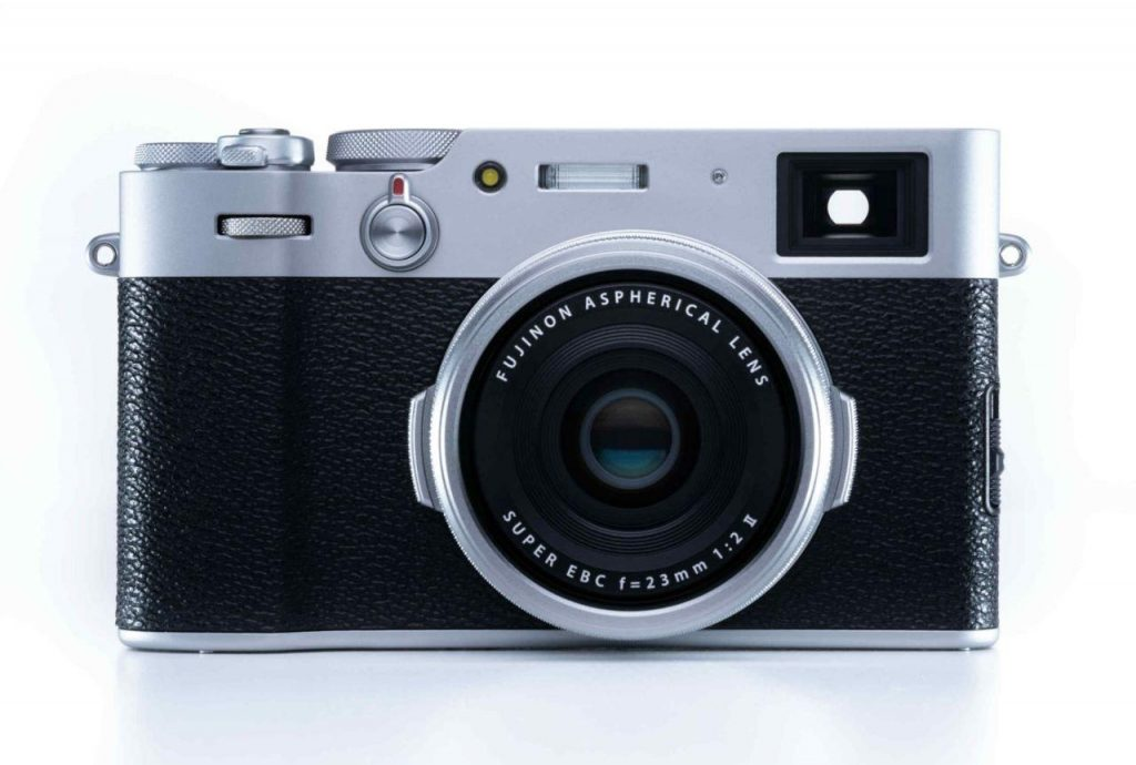Vista Frontale della Fujifilm X100V