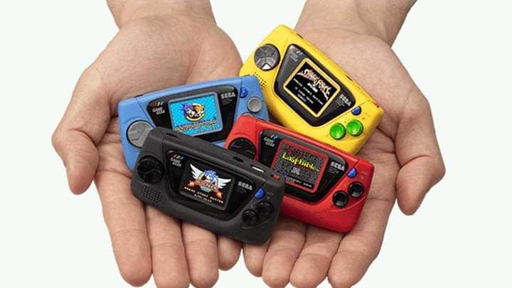 Quattro versione del game gear micro