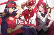 un ragazzo a sinistra con un cappello rosso e i capelli verdi, una ragazza al centro con i capelli legati e una ragazza a destra copn i capelli rossi e lunghi