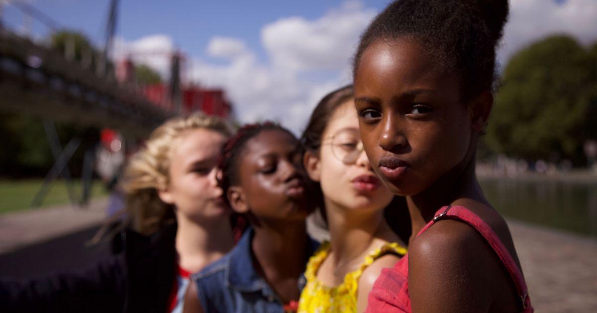 protagoniste--cuties-mostrano-bocca-a-cuore