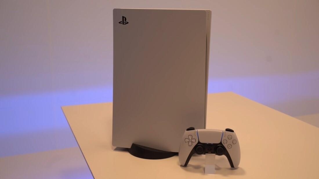 PS5-su-tavolo