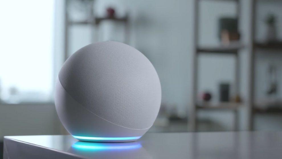 Amazon Echo Alexa modello bianco 2020