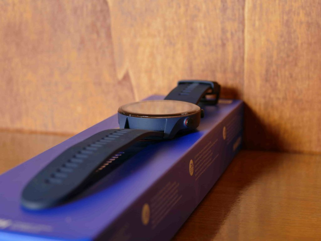 Xiaomi Mi Watch smartwatch e confezione