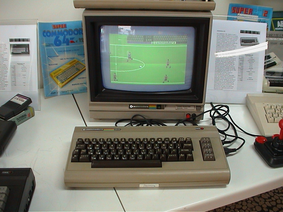 commodore 64 computer-min