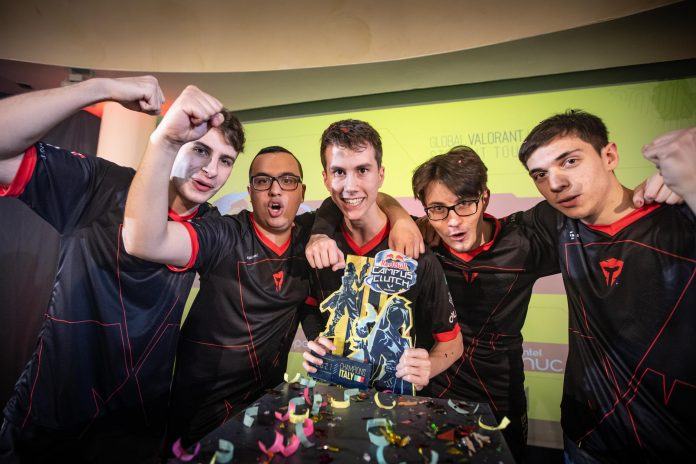Angry titans vincitori al red bull campus clutch