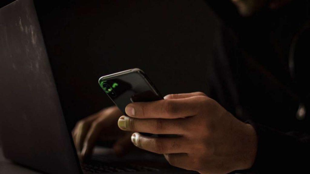 Apple iPhone vulnerabili Pegasus