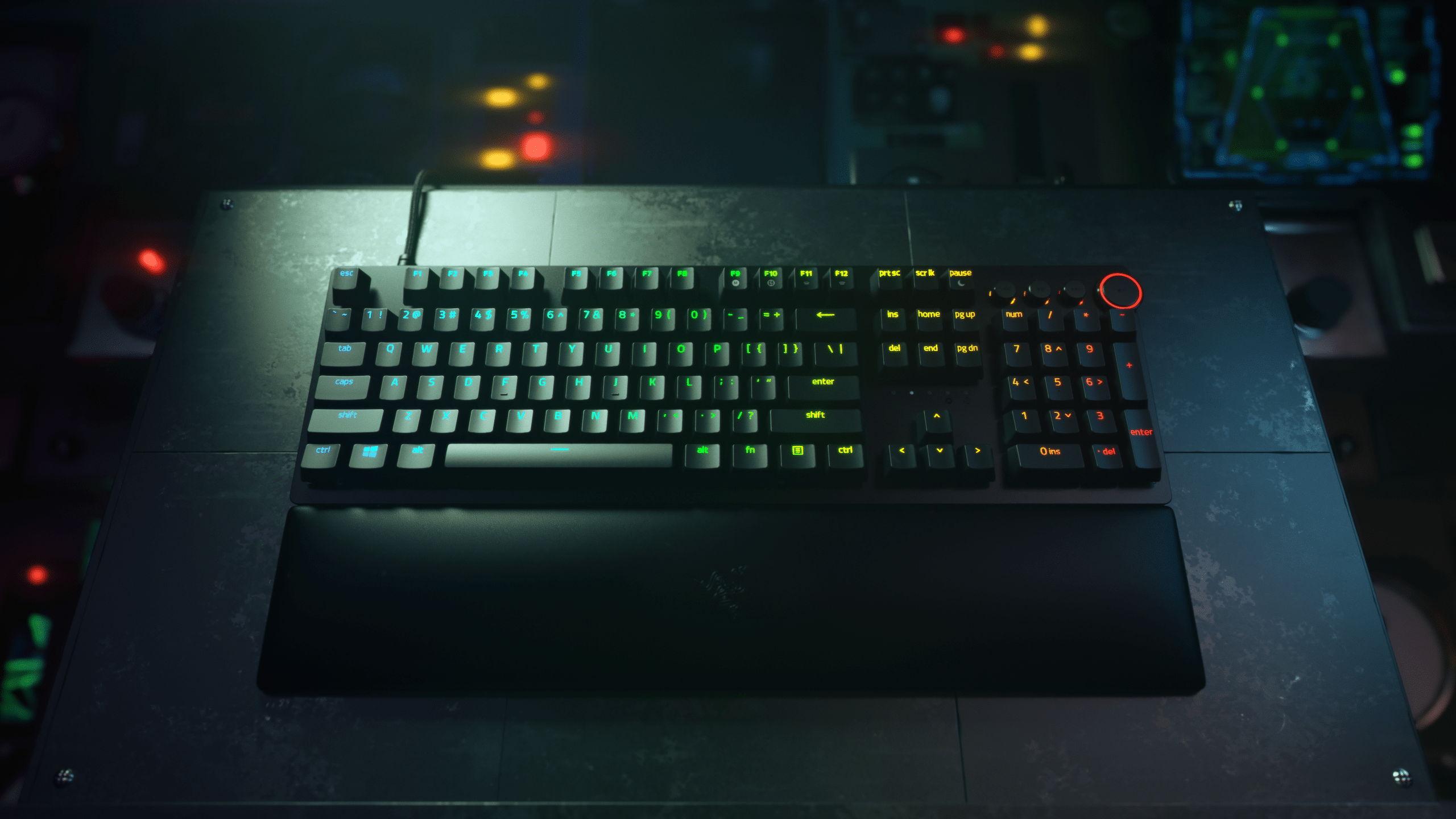 Razer Huntsman V2 tastiera meccanica lag zero