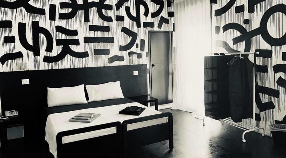 Hotel Stupido Twitch Rimini 1 Euro